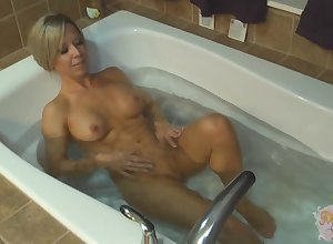 Mandy Monroe plays forth hammer away brush pussy far hammer away bathtub
