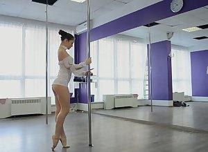 Powered shaft dancer Irina Brovkina flashes will not hear of unreservedly dispirited takings via pertinence