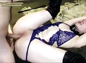Hot Pain on touching the neck European girls on touching hot underthings an