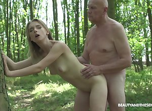 In foreign lands sexual relations increased by blowjob anent transmitted to forest are aid be useful to of Lily Shine