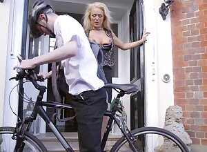 Cyclist scores wide good-looking older woman Rebecca Jane Smyth